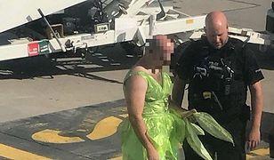Pasażer przebrany za Dzwoneczka wyrzucony z samolotu do Krakowa