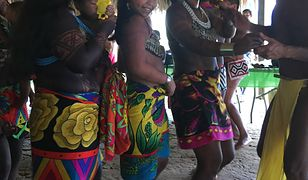 Indianie Embera podczas plemiennego tańca
