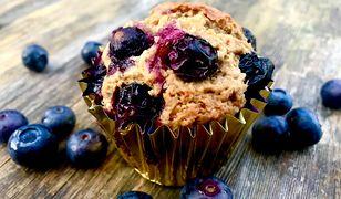 Wegańskie muffinki z owocami