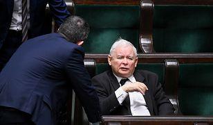 Koronawirus w Polsce. Jarosław Kaczyński forsuje wybory za wszelką cenę.