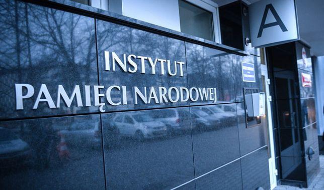 IPN nagradzał wolontariuszy ziemią z Powązek