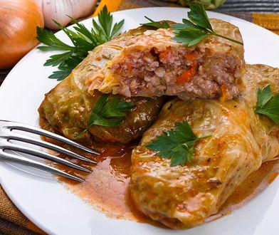 Bardzo lubiane w kuchni łemkowskiej gołąbki zawijane w kiszone liście kapusty