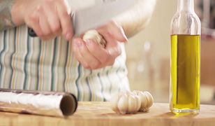 Jak przygotować pieczony czosnek. Prosty sposób