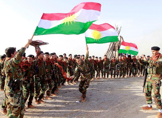 Peszmergowie w Iraku świętują kurdyjski nowy rok