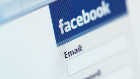 Wbrew szumnym zapowiedziom Facebooka do Messengera wrócą SMS-y