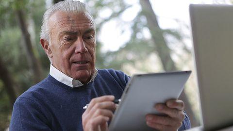 Tymczasowy profil zaufany dla seniorów. Podpowiadamy, jak założyć Profil 80+