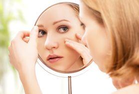 Jak zatuszować trądzik makijażem?