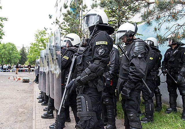 Zaczyna się, kiedy ktoś umiera po interwencji policji