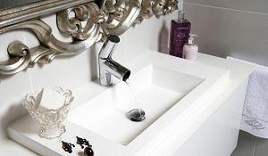 Jedna umywalka czy dwie umywalki? Nowoczesna łazienka praktycznie