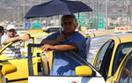 Greccy taksówkarze blokują turystów