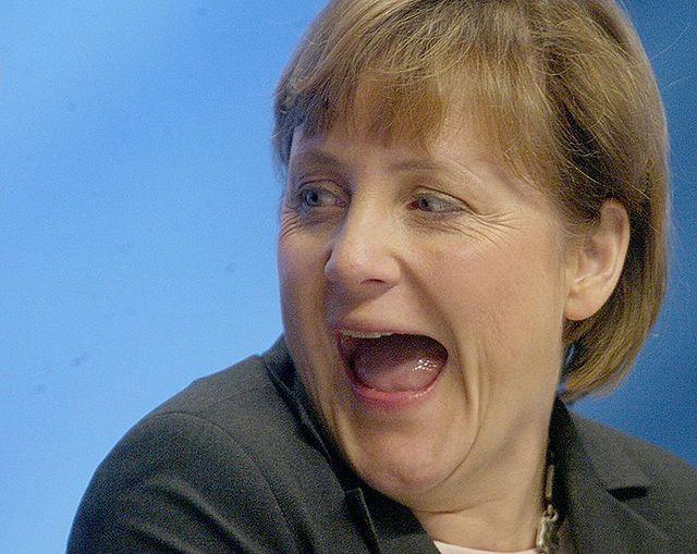 Kontrowersje wokół Merkel. Przywitano ją kamieniami