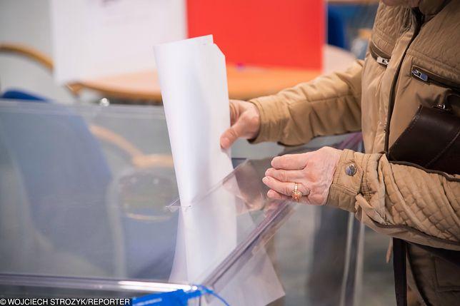 Wybory parlamentarne 2019 – Sieradz. Listy wyborcze do Senatu z okręgów 25, 26 i 27