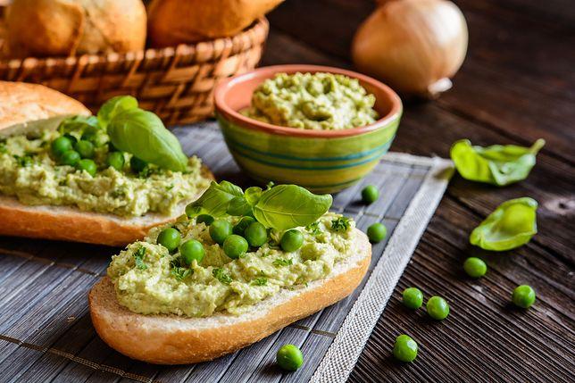 Pasta warzywna to idealny dodatek do kanapek. Przepisy na pasty warzywne