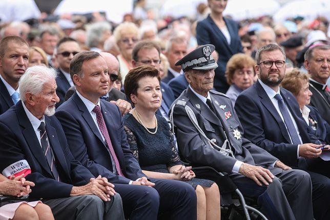 Ten gest Andrzeja Dudy komentują wszyscy. Jak było naprawdę?
