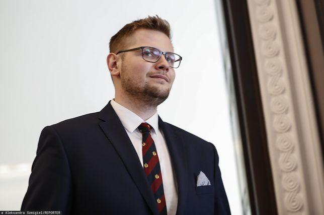 Koronawirus w Polsce. Minister Michał Woś zabiera głos.