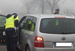 Duże zmiany w kodeksie drogowym. Jazda na suwak, policjanci z nowymi uprawnieniami