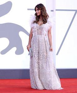 Festiwal Filmowy w Wenecji 2020. Kreacje z czerwonego dywanu