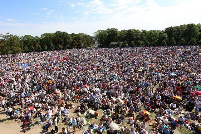 100 tysięcy wiernych modliło się na Jasnej Górze