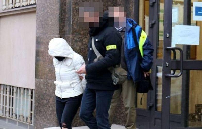 Gang wykorzystywał niepełnosprawną kobietę. 37-latka na jego czele