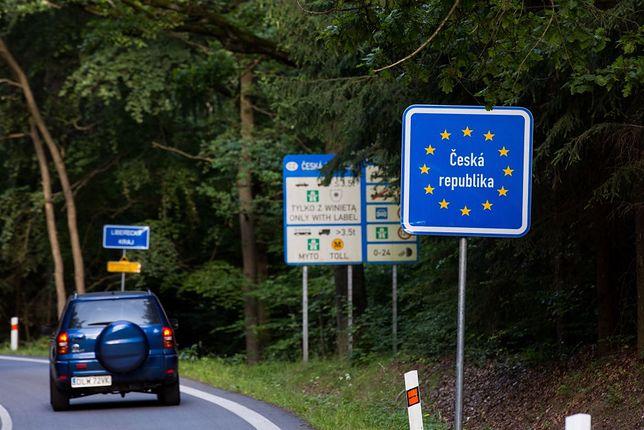 Polacy coraz chętniej rezygnują z meldunku w kraju
