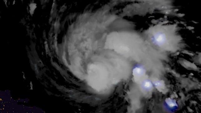 Huragan Dorian: niesamowite nagranie burzy powstającej w jego wnętrzu (Zobacz wideo)
