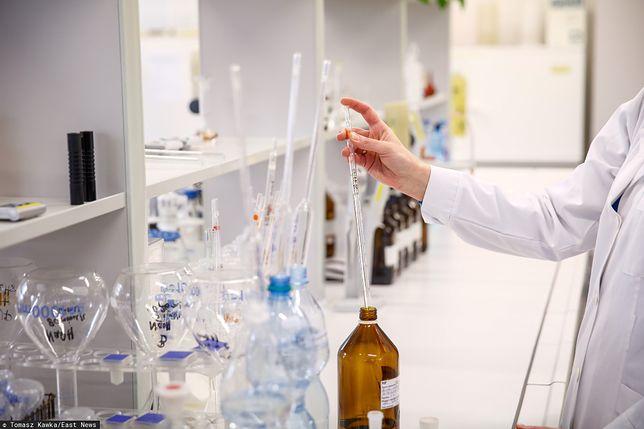 Koronawirus w Polsce. Laboratorium badające próbki na obecność koronawirusa zawiesiło pracę