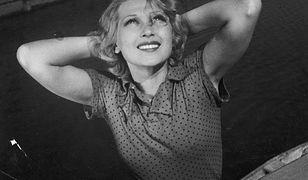 """Wbrew krążącym plotkom Ina przeżyła wojnę. Udało jej się uciec z kraju, a na emigracji rozpoczęła nowe życie. Zdjęcie z filmu """"Ludzie Wisły"""" (1938)."""