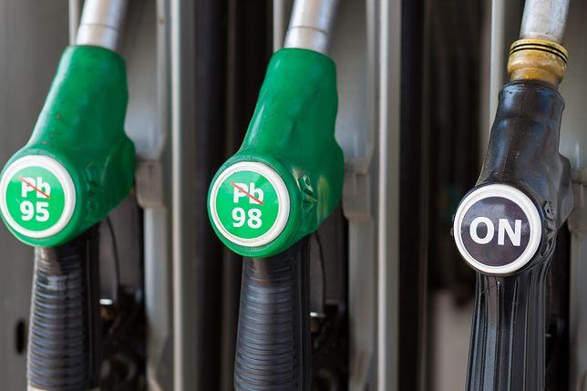 Spadki cen paliw powoli wyhamowują