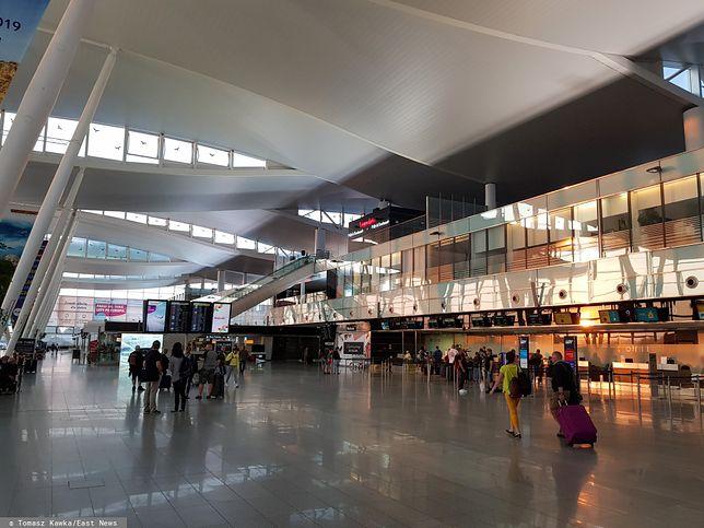 Dowcip na lotnisku we Wrocławiu sporo kosztował Polaka