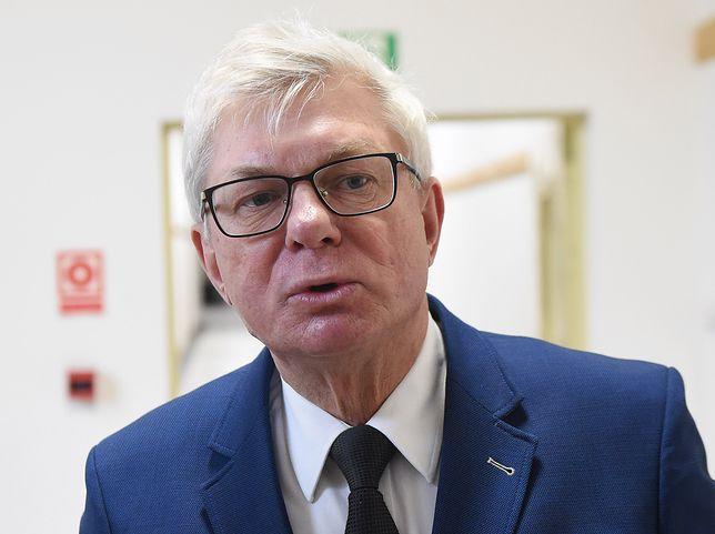 """Andrzej Celiński dołącza do kontrmanifestacji. """"Mam przekaz dla Kaczyńskiego. Uważaj! Ja się nie cofnę"""""""
