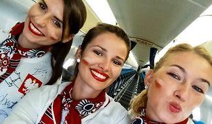 Polskie stewardesy na pewno sprawiły niespodziankę kadrze