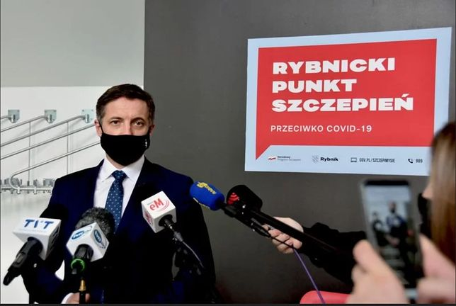 Śląskie. Prezydent Rybnika Piotr Kuczera zaapelował do NFZ i Ministerstwa Zdrowia o dostępność szczepionek.