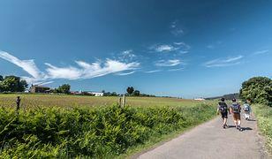 Najstarsza jest Via Regia, droga którą wytyczono w średniowieczu. Rozpoczyna się w Medyce na granicy z Ukrainą