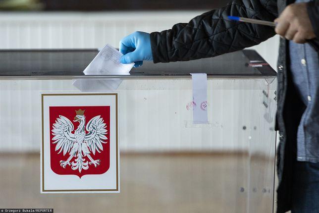 """Janik: """"W wyborach korespondencyjnych urn wyborczych nie będzie - ale będą inne"""" [OPINIA]"""