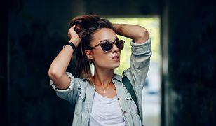 Koszula jeansowa może służyć także jako okrycie wierzchnie w chłodniejsze dni
