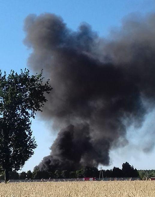 Pożar wysypiska w Mostkach. 24 zastępy straży w akcji