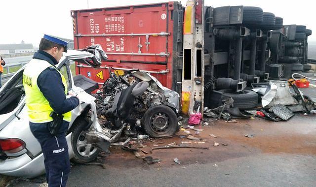 Czym się różni kolizja od wypadku?