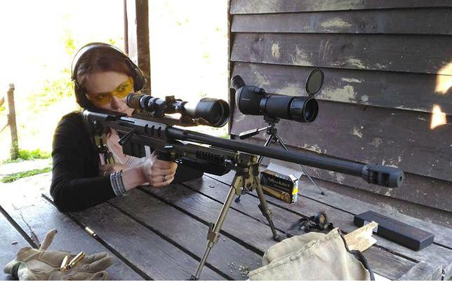Posłanka PiS Anna Schmidt-Rodziewicz nie tylko załatwiła nową strzelnicę w powiecie, ale sama chce się dozbroić