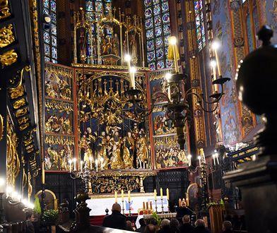 Kraków. 20-latka miała rozebrać się w kościele i splunąć na księdza. Może mieć kłopoty