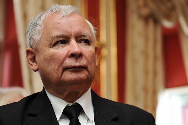 Partia Kaczyńskiego szuka nowego paliwa