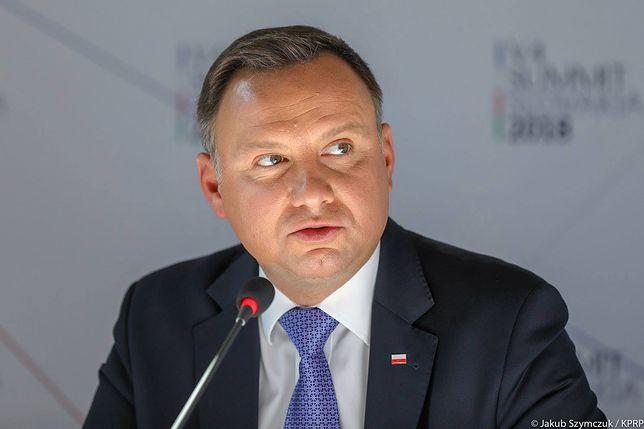 Andrzej Duda i eko-żarówki. Uważa je za symbol opresji UE, ale jego kancelaria kupuje ich setki
