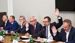Komisja ds. VAT chce wykazać umyślną winę urzędników w rządzie PO-PSL