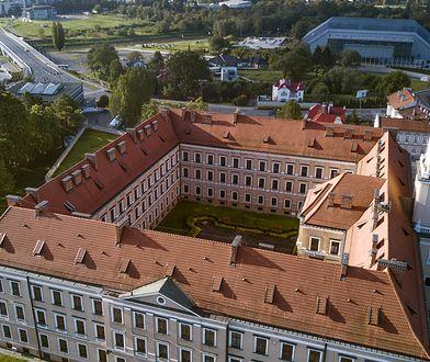 Obecnie w murach rzeszowskiego zamku mieści się siedziba Sądu Okręgowego
