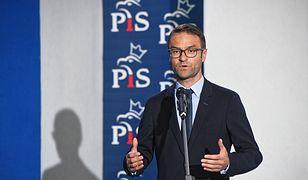 Europoseł PiS odepchnął dziennikarza TVN