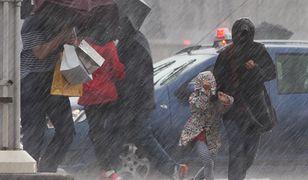 W piątek, głównie w północnej i zachodniej części kraju, wystąpią intensywne opady deszczu