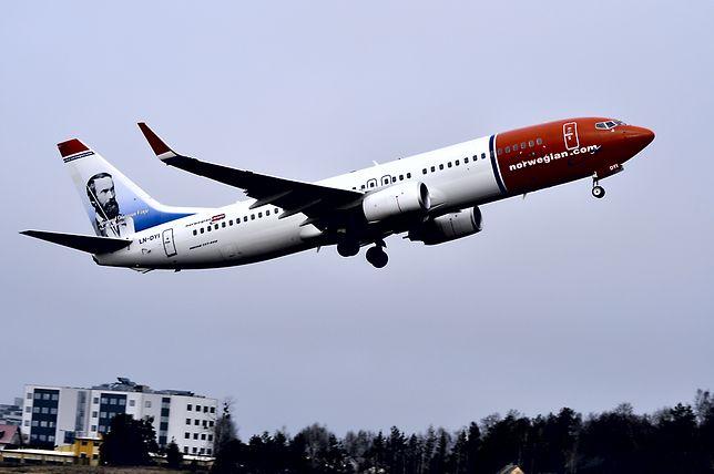Samolot musiał zawrócić z powodu awarii toalety. Leciało nim ponad 60 hydraulików