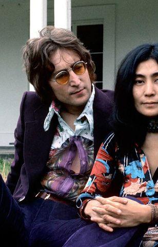 Gdy Yoko poznała Johna, miała męża i dziecko. On miał żonę. Dziecko też.