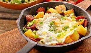Ziemniaki smażone z chorizo