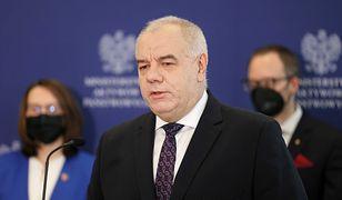 """Raport NIK ws. wyborów kopertowych. Jacek Sasin mówi o """"sporze"""""""