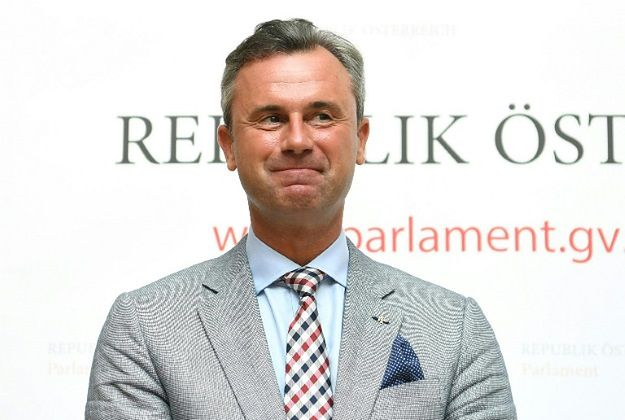 Populistyczny kandydat na prezydenta Austrii wygrywa w sondażach